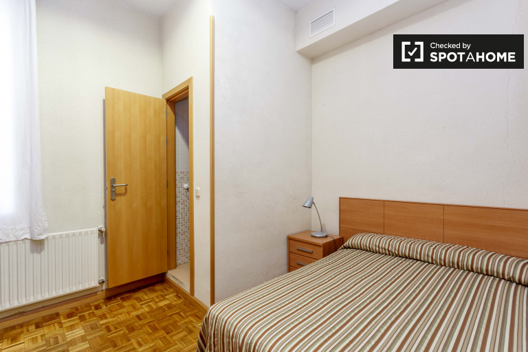 Bedroom 10 - double bed
