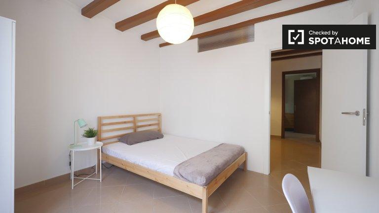Modernes Zimmer zur Miete in 4-Zimmer-Wohnung in Barri Gòtic