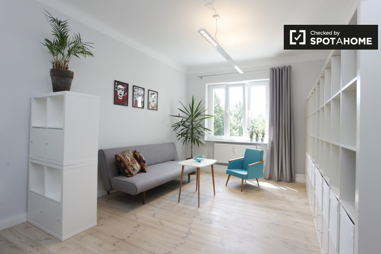 Stunning 1-bedroom apartment for rent in up-and-coming neighbourhood of  Neukölln