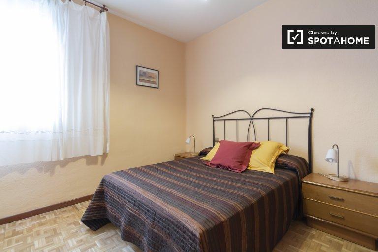 2-pokojowe mieszkanie do wynajęcia w Moncloa, Madryt