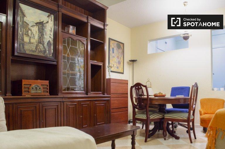 Apartamento de 4 quartos para alugar em Retiro, Madrid