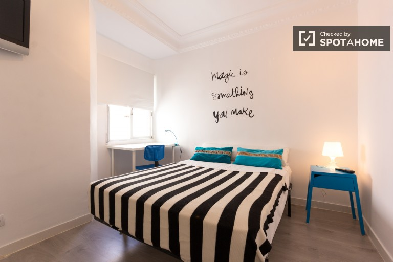 Welcoming room in shared apartment in Tetuan, Madrid