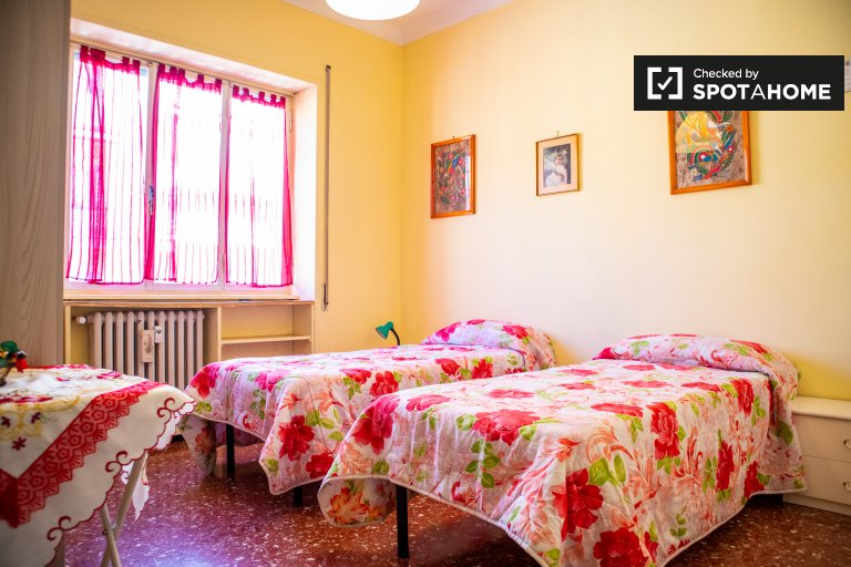 Bright room in 2-bedroom apartment in Appio Latino, Rome
