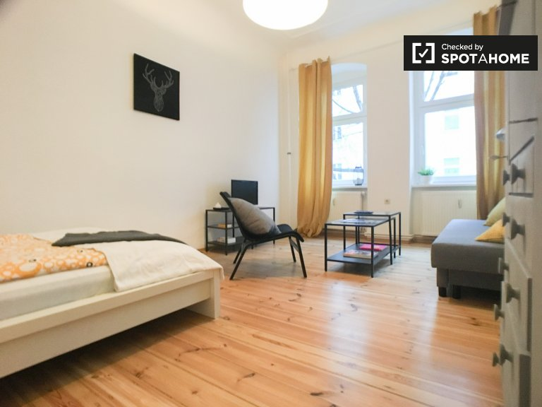 Charming 1-bedroom apartment for rent in Neukölln