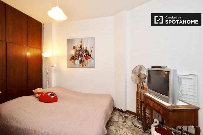 Chambre double dans un appartement de 2 chambres à Niguarda, Milan