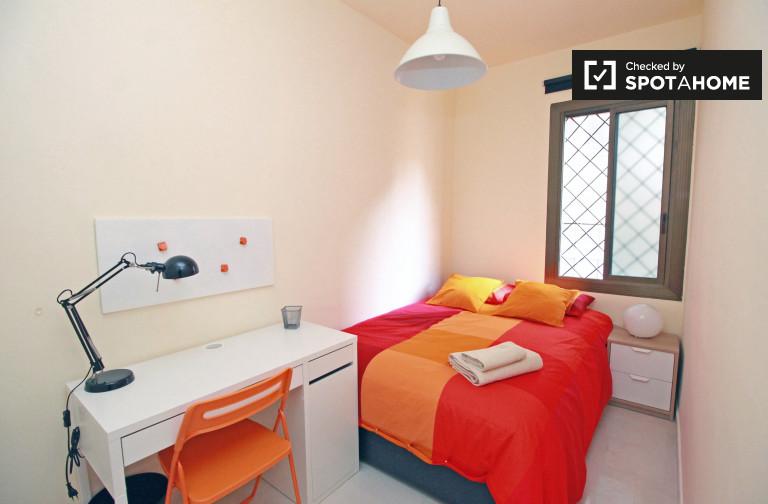 Chambre confortable dans un appartement partagé à Eixample, Barcelone
