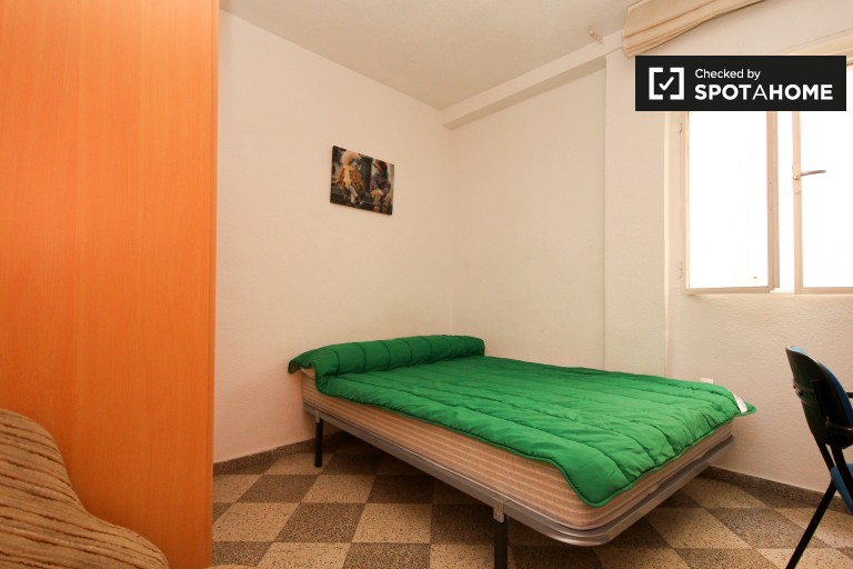 Bedroom 5 with a double bed