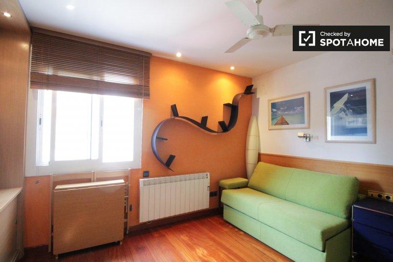 Stylish studio apartment for rent in Gràcia, Barcelona