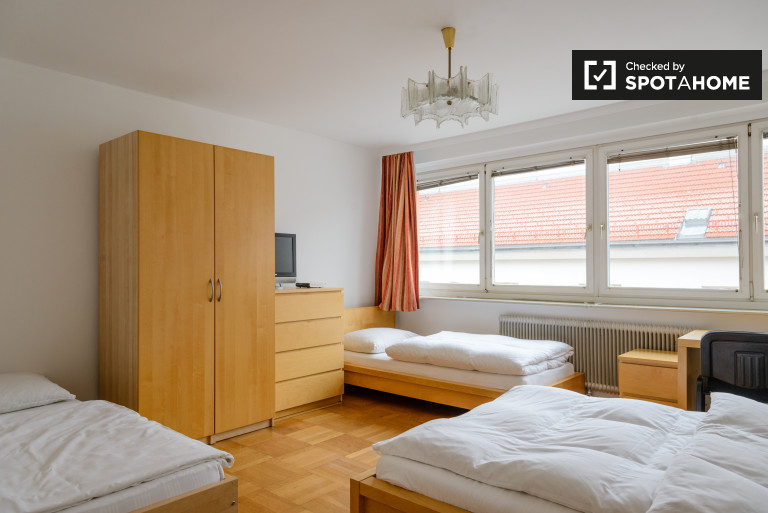 Sunny 4-bedroom apartment for rent in Ottakring, Vienna