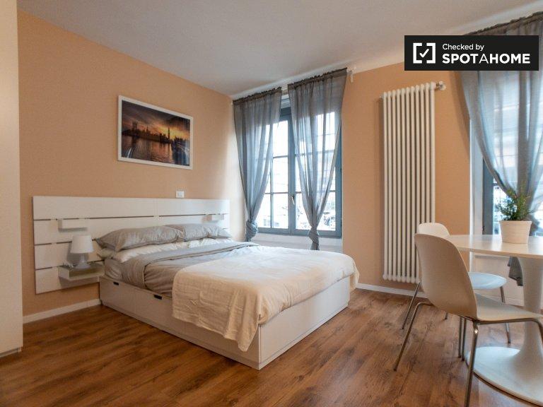 Ristrutturato monolocale in affitto a San Siro, Milano