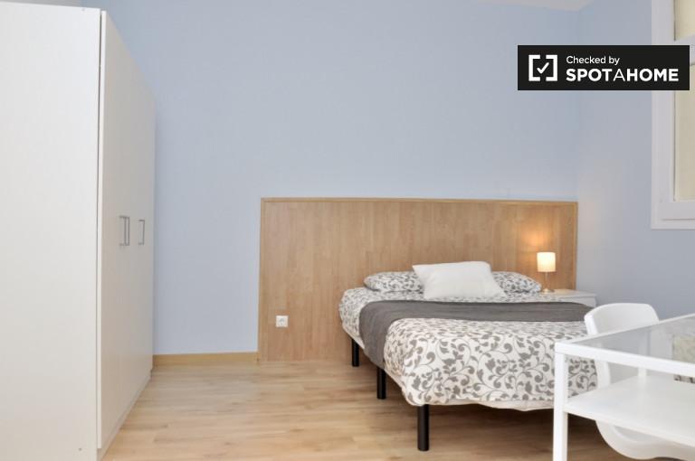 Bedroom 8 - Double bed