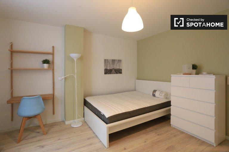 Chambre lumineuse dans maison de 5 chambres à Saint Gilles, Bruxelles