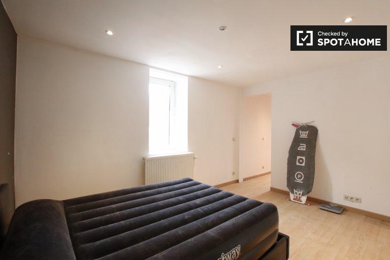 Chambre à louer dans un appartement de 2 chambres à Anderlecht