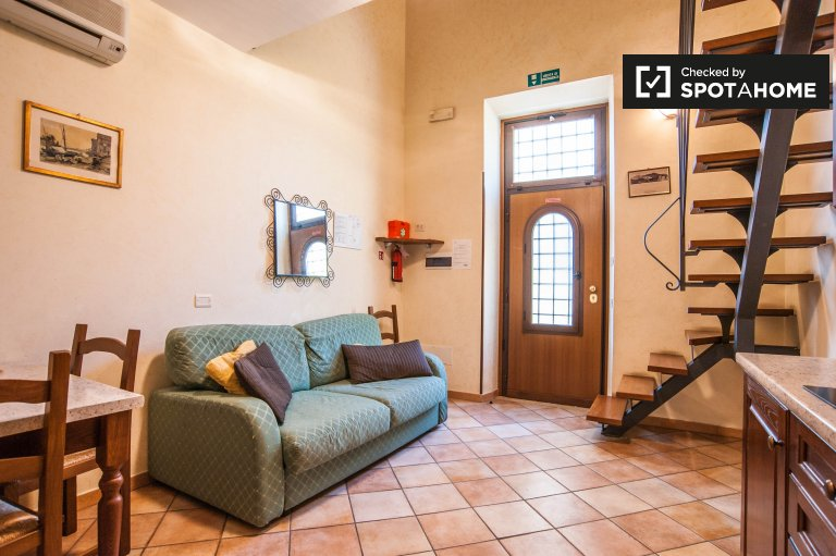 Lovely 1-bedroom loft apartment for rent in Vermicino, Rome