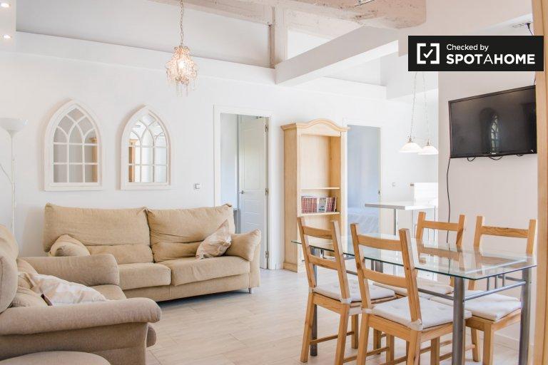 Przytulny apartament z 4 sypialniami do wynajęcia w Camins al Grau