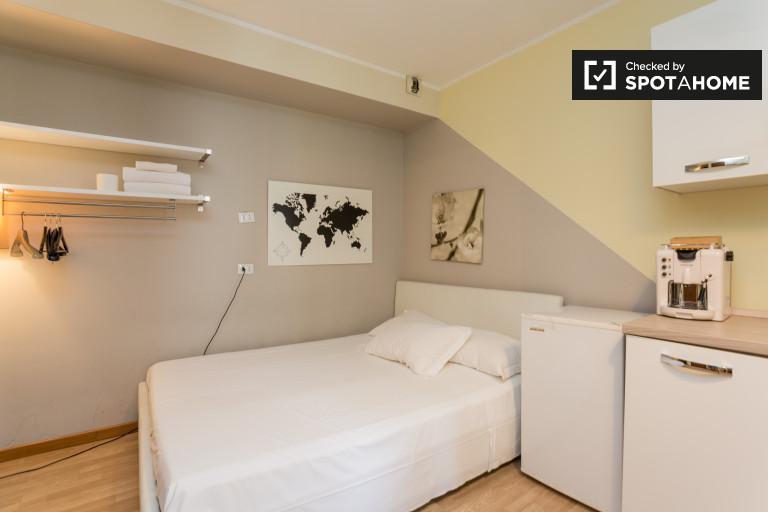 Moderno monolocale con AC in affitto a Magenta, Milano