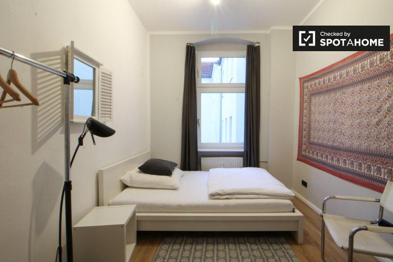 Przestronny pokój w apartamencie z 3 sypialniami - Reinickendorf, Berlin
