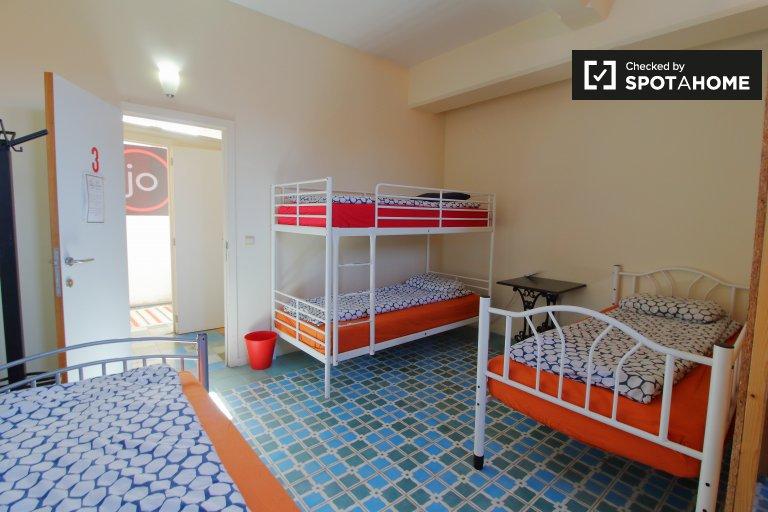 Chambre à louer dans un appartement de 5 chambres à Molenbeek, Bruxelles