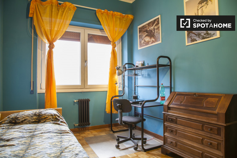 Nowoczesny wspólny pokój w apartamencie w Portuense