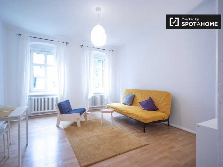 Apartament z 2 sypialniami do wynajęcia w Friedrichshain w Berlinie