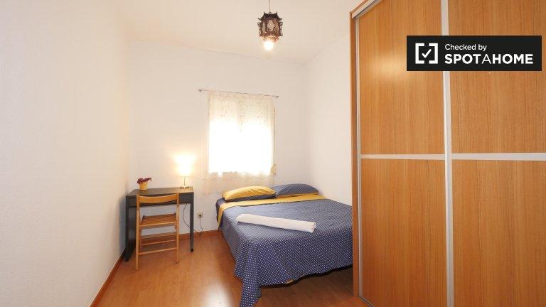 Chambre lumineuse à louer à Sant Just Desvern, Barcelone
