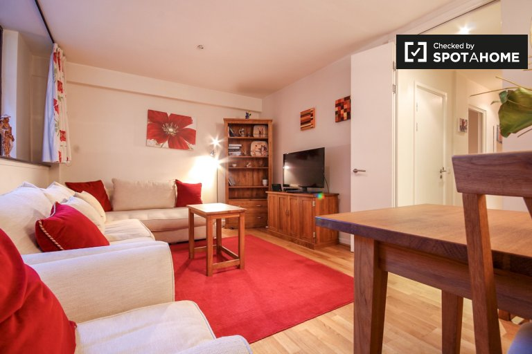 2-bedroom apartment to rent in City of London, London