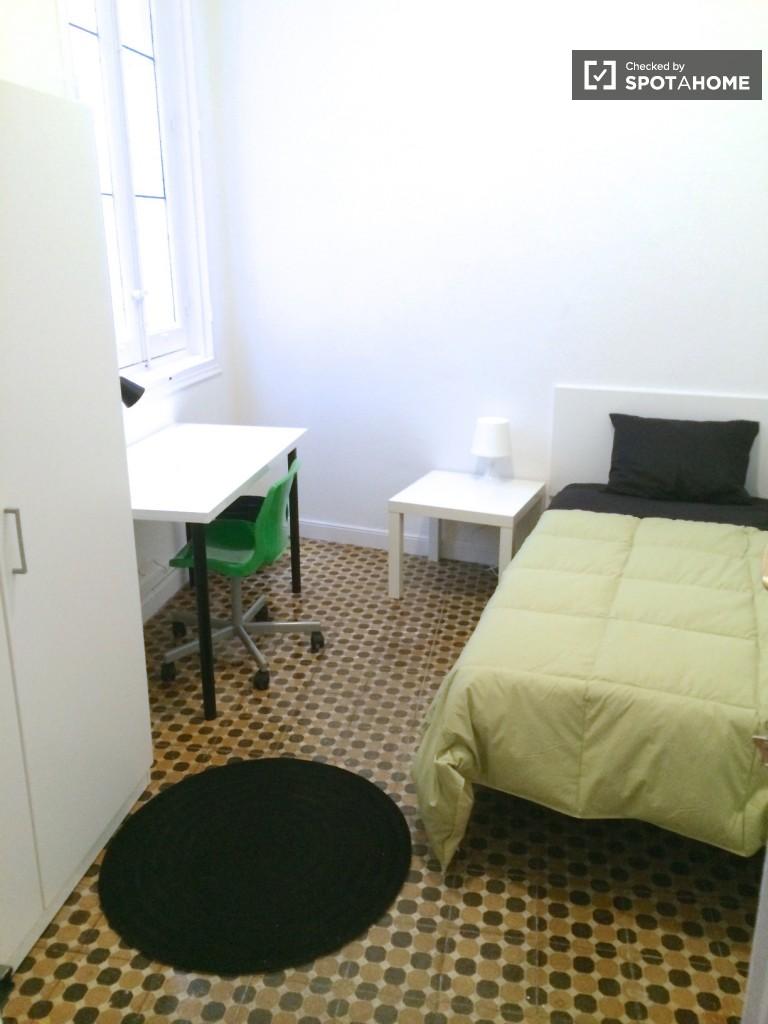 Bedroom 8 - single bed