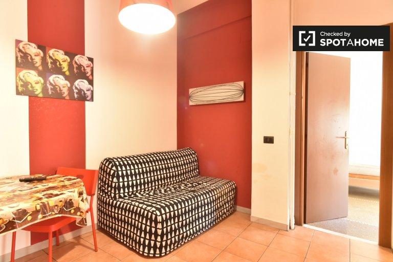 Chambres doubles à louer dans l'appartement à San Giovanni, Rome