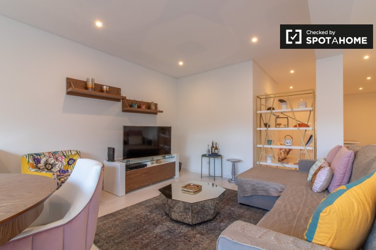 Chic 2-bedroom apartment for rent in Lumiar, Lisbon