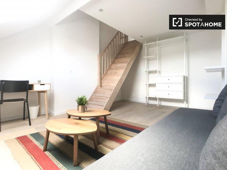 Chambre avec mezzanine dans une maison de 9 chambres à Ixelles, Bruxelles