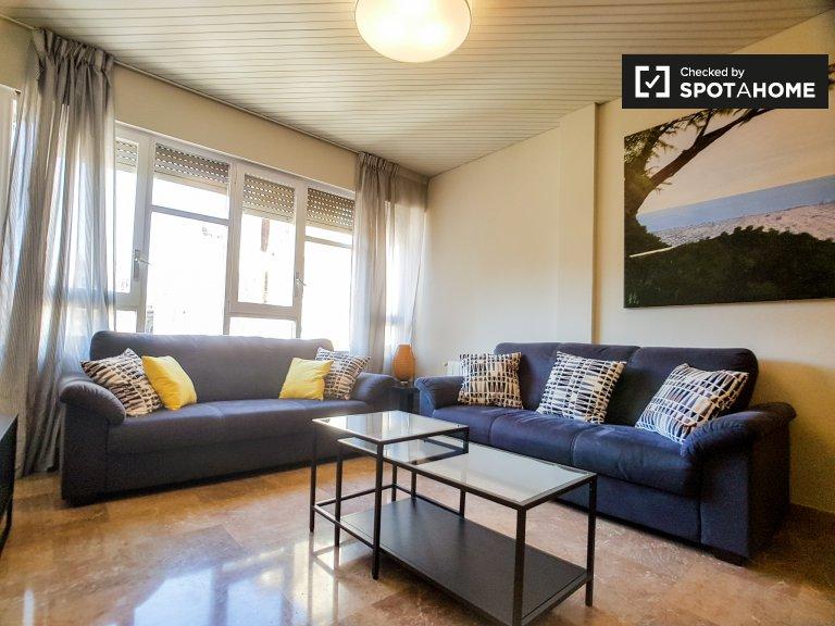 4-pokojowe mieszkanie do wynajęcia w l'Eixample, Barcelona