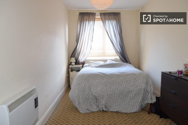 Quarto mobiliado em apartamento compartilhado em Glasnevin, Dublin
