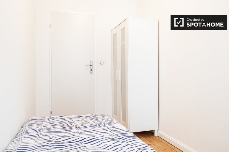 Room for rent in apartment with 4 bedrooms in Mitte, Berlin