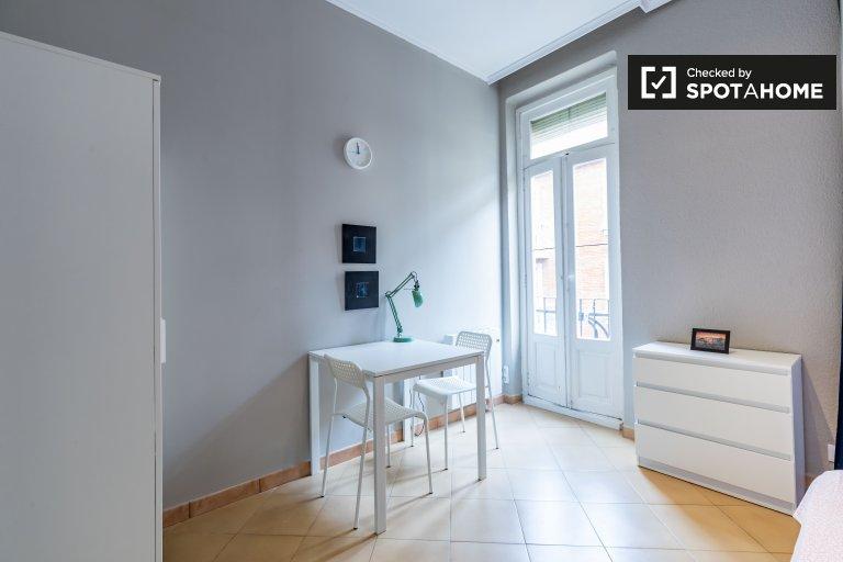 Habitación luminosa en apartamento de 7 dormitorios en Ciutat Vella, Valencia