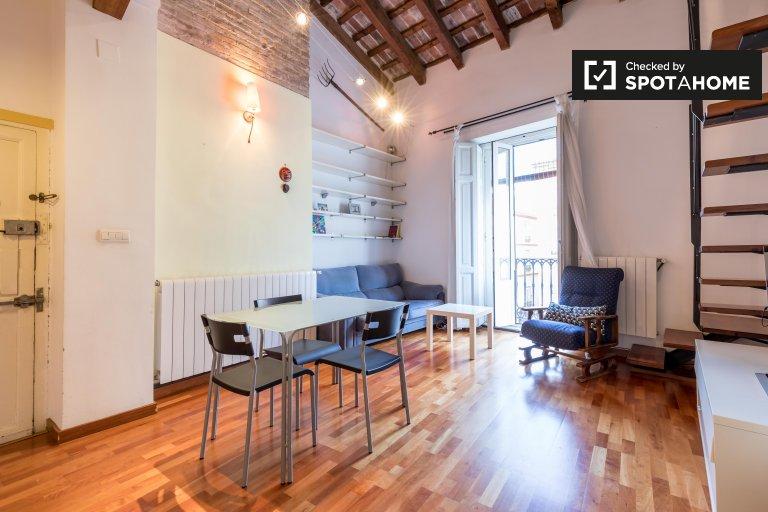 Appartamento con 3 camere da letto in affitto a Ciutat Vella, Valencia