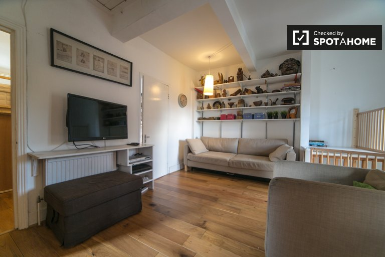 3-bedroom apartment to rent near Hampstead High Street
