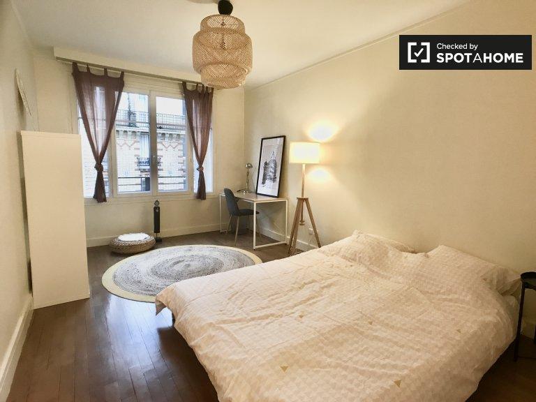 Zimmer zu vermieten in Wohnung im 12. Arrondissement, Paris