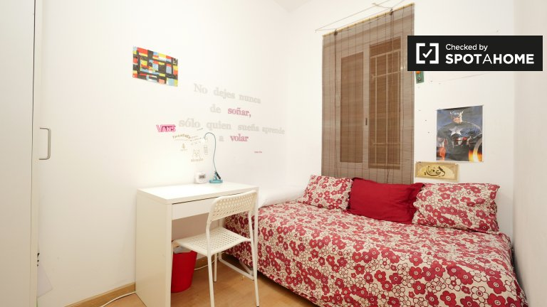 Chic room for rent in Gracia, Barcelona