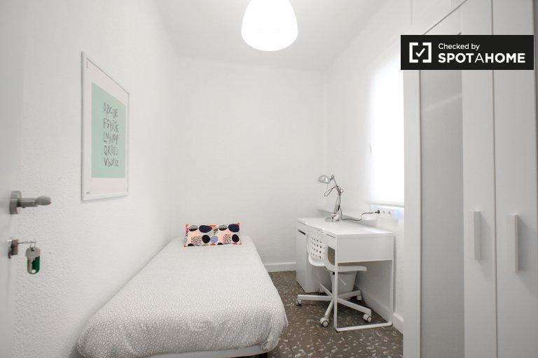 Przyjemny pokój do wynajęcia, apartament z 5 sypialniami, Benimaclet