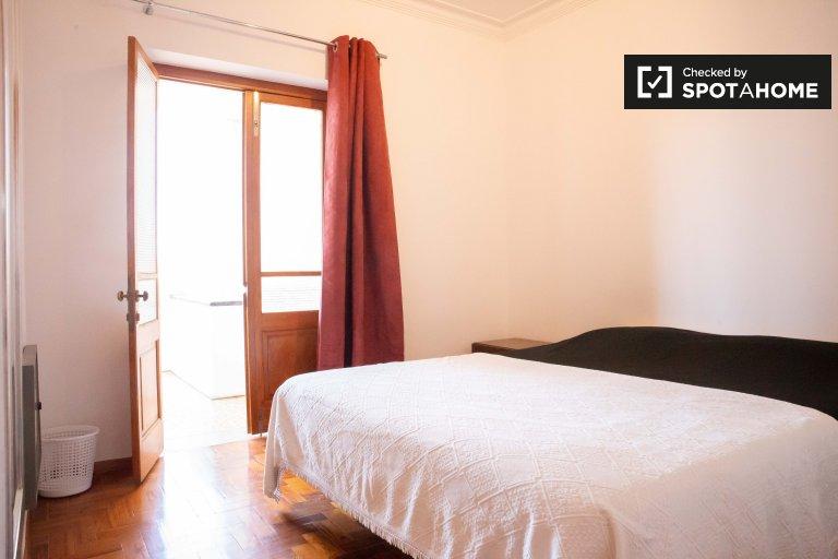 Przytulny pokój w domu z 5 sypialniami w Estoril, Lisboa