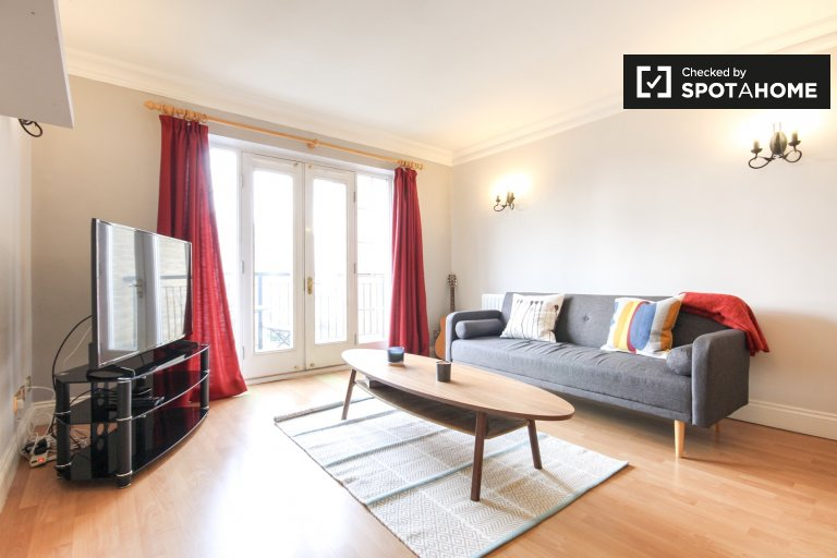 Modern 2-bedroom apartment to rent in Southwark, Travelcard Zone 1