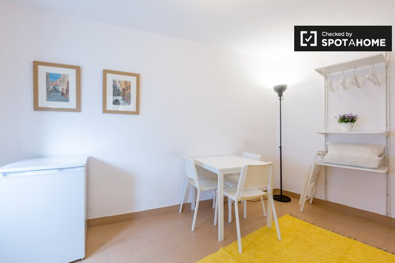 Santa Maria Maior, Lizbon kiralık sevimli stüdyo daire