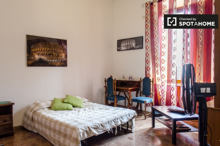 1-bedroom apartment for rent in Esquilino, Rome