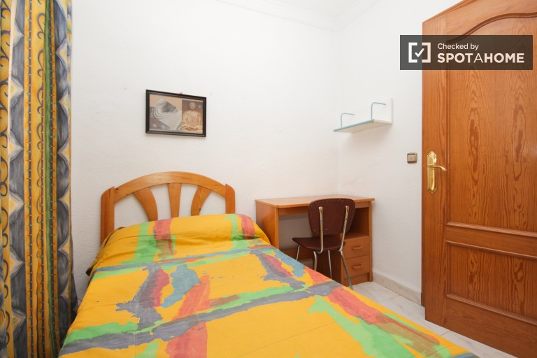Exterior single room 1