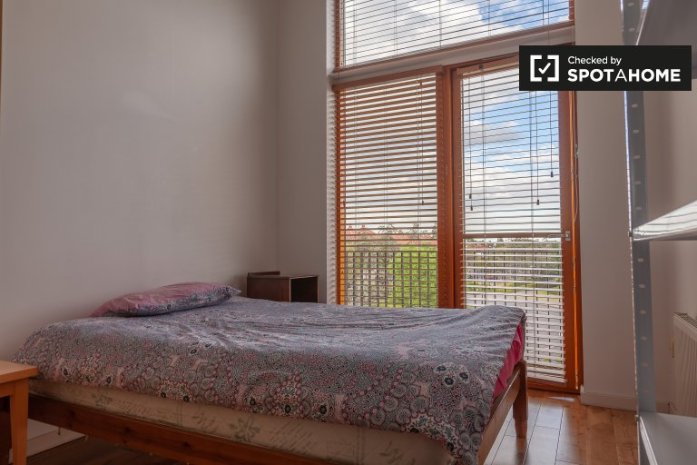 Cosy room in 2-bedroom apartment in Glasnevin, Dublin