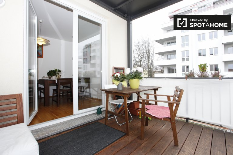Modern 2-bedroom apartment with terrace for rent in Neukölln