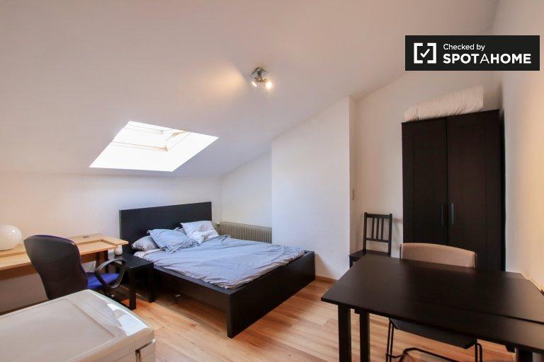 Przytulny apartament typu studio do wynajęcia w Koekelberg, Bruksela
