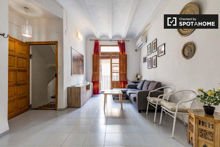 Uroczy apartament z 1 sypialnią do wynajęcia w Ciutat Vella