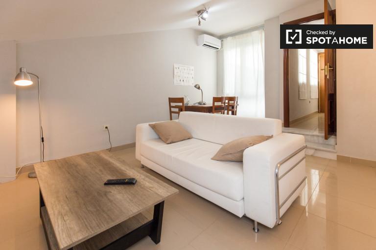 1-bedroom duplex apartment for rent in Granada city center
