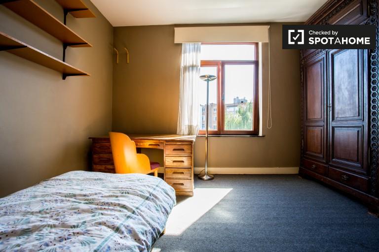Amplio apartamento de 1 dormitorio en alquiler en Forest, Bruselas